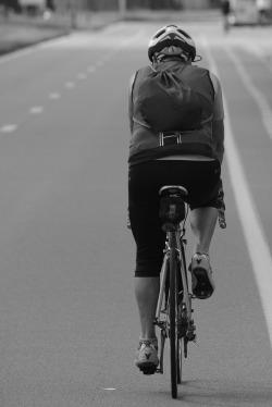 cyclist-969528_1920